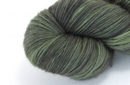 MERINO SINGLE Fingering Black Olive zoom