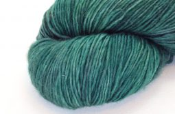 MERINO SINGLE Fingering Fir Tree zoom