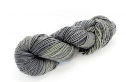 MERINO SINGLE Worsted Black Olive