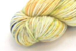 MERINO SINGLE Worsted Rainbow Mountain zoom