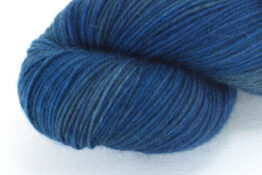 SOCK FINE 4ply - Ocean zoom