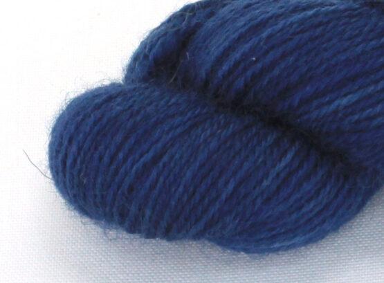 Finnwool Naturally Dyed - Indigo Deep Blue zoom
