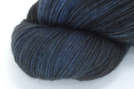 SOCK FINE 4ply - New Moon zoom